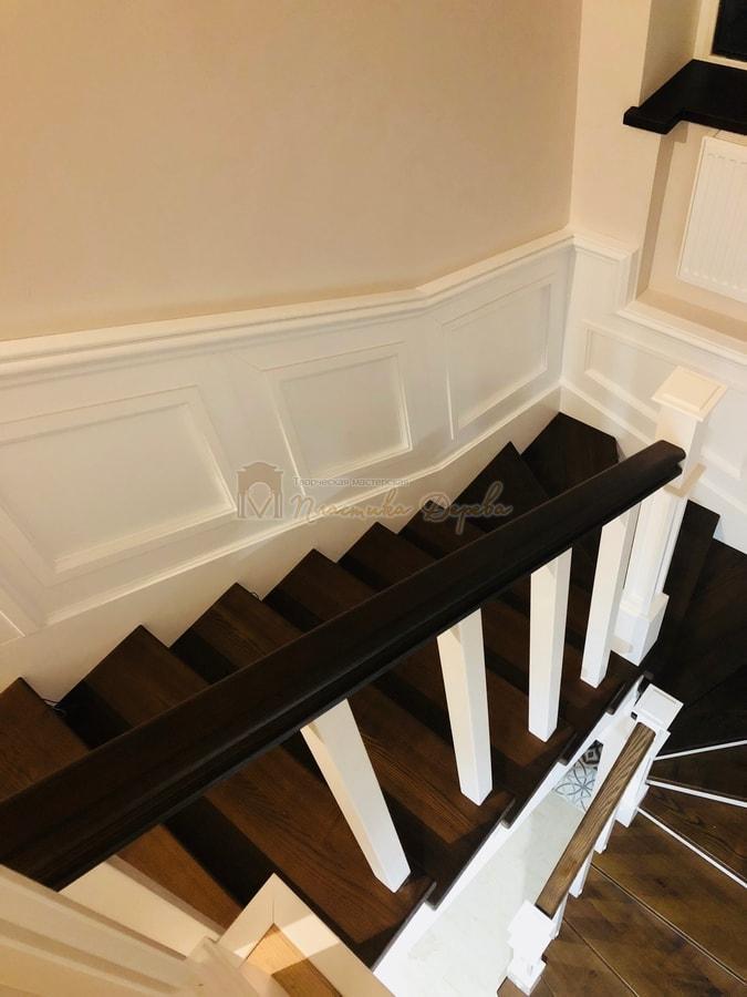 Лестница с декоративными панелями (фото 11)