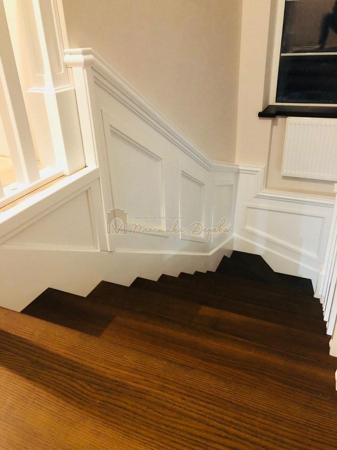 Лестница с декоративными панелями (фото 12)