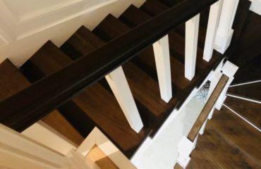 Лестница с декоративными панелями (превью)