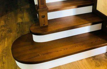 Лестница с пригласительной ступенькой (фото)