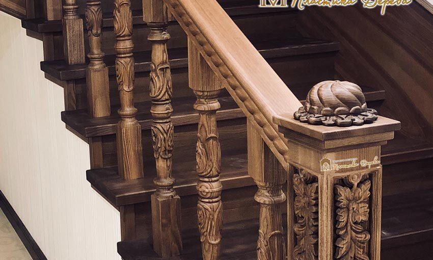 Деревянная лестница с художественной резьбой «Инесса» (превью)